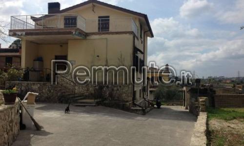 Villa indipendente con terreno Guidonia