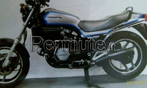 Scambio moto Honda VF 750 sport dell' 85